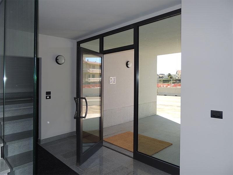 Prezzi serramenti in alluminio taglio termico finestre - Costo finestre taglio termico ...